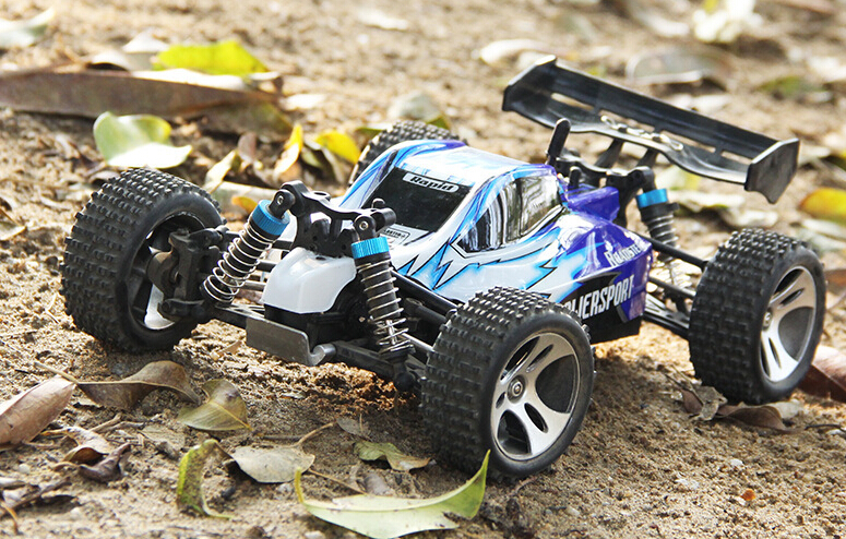 1pcs 1:18 full proportional top speed 45km/h 2.4G HZ remote control 4WD cross country racing car truck. top high speed full teeth piston