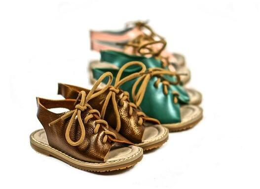 Novo estilo de moda britânico meninos sandálias de couro genuíno sandálias de praia meninas do bebê rendas até mocassins bebê anti-slip hard sole shoes