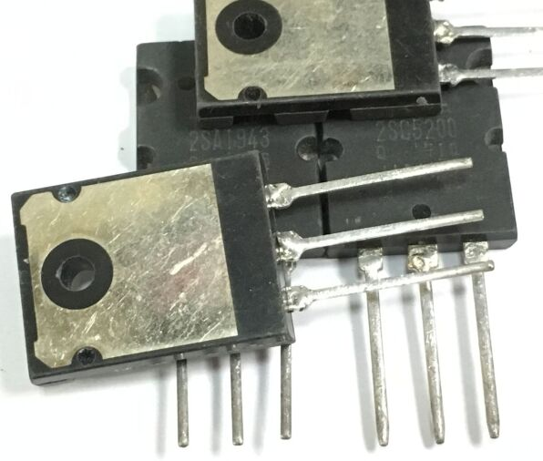 2SC5200 2SA1943 C5200 10PCS + A1943 10PCS-in Integrated Circuits from Electronic Components & Supplies
