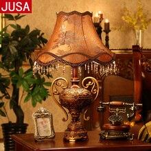 Европейская ретро Трофейная смоляная настольная лампа для спальни гостиной антикварная креативная модная мебель настольная лампа с дистанционным управлением