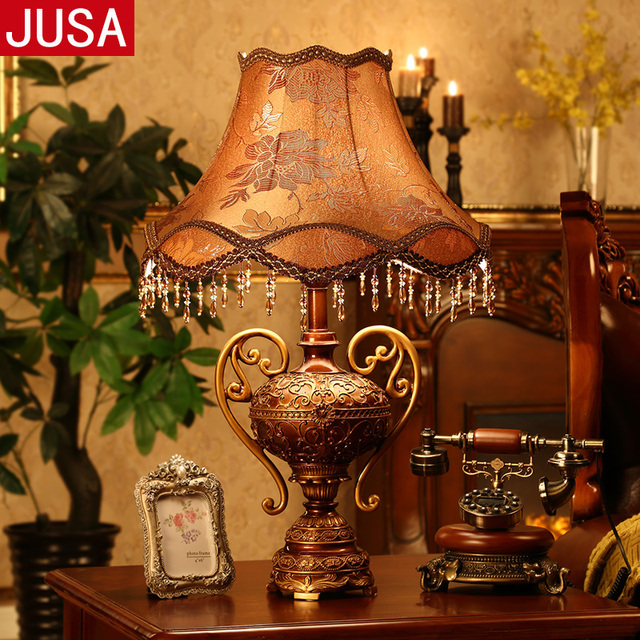 European Retro Trophy Resin Table Lamp For Bedroom Living Room Antique  Creative Fashion Furnishings Remote Control