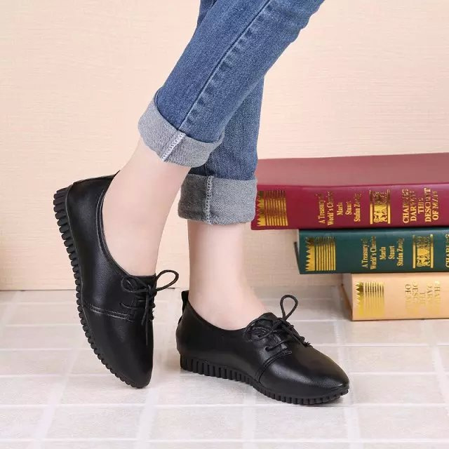 New Spring/Autumn Lace-up Flat Shoes Fashion Ladies Sneakers Woman Thick Bottom Leather Shoes Casual Women Shoes tenis feminino