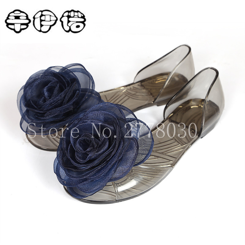 bohemia summer new crystal jelly shoes big flower roses sandals women transparent beach flat shoes plastic shoes big size 35-40 summer 2017 new color crystal bling sandals woman anti skid hole jelly shoes flat garden beach rain shoes