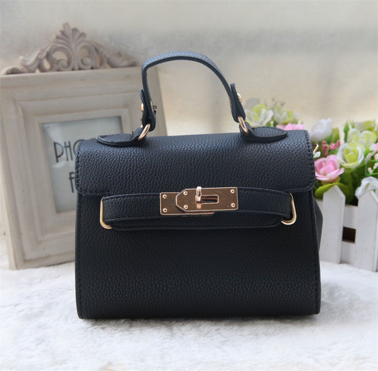2017 new Designers Mini Cute Bag Children Kids Handbag baby Girls Shoulder  Bag Messenger Bags Purses Long Strap gift-in Top-Handle Bags from Luggage    Bags ... ec1e1fc8e3