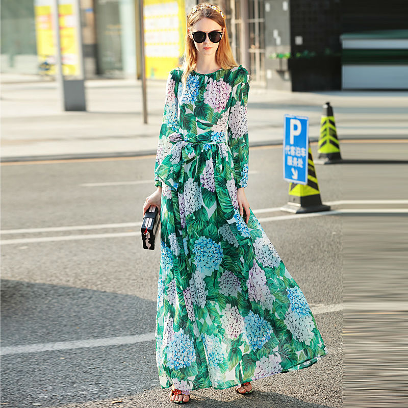 High quality runway 2018 summer new women s long sleeved large size Bohemian seaside holiday beach