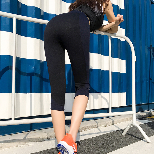 Summer Women Fitness Clothes Capri Sports Pants Gym Workout Fast-Dry Yoga Products Running Tights Female Slim Athletic Leggings