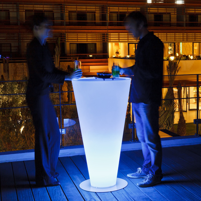 Height 110cm waterproof Wireless eat standing light led,up colorful LED high light cocktail bar table rechargeable outdoor
