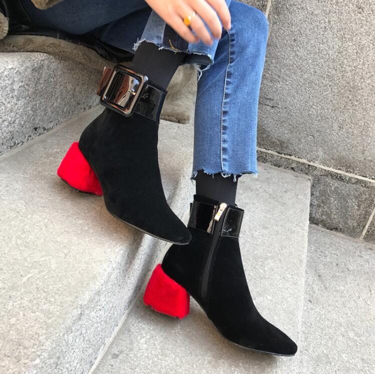 2018 winter new square head boots women's generous buckle leather Martin boots thick with high heel and bare boots short boots цена 2017