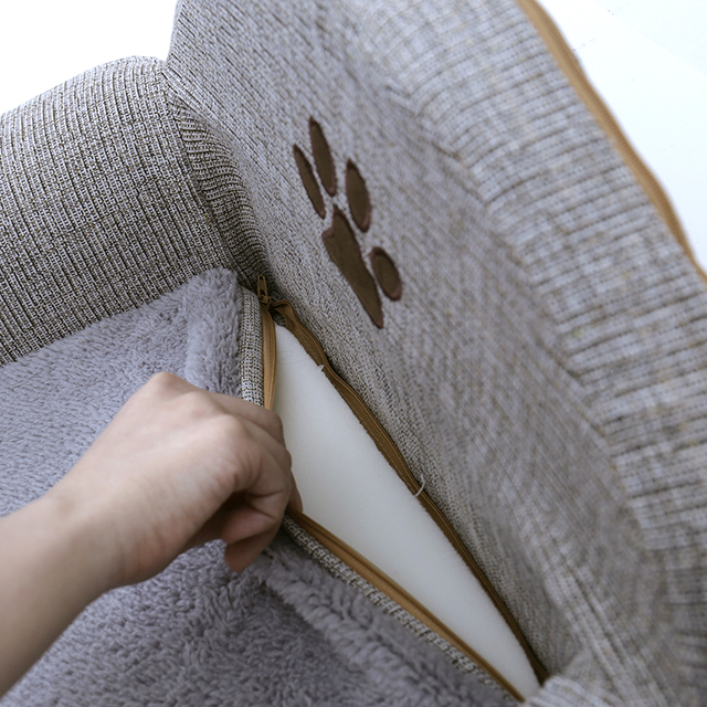 Dog's Paw Print Linen Bed