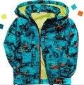 Nuevo 2017 Niños abrigos y chaquetas a prueba de viento y resistente al agua para las sudaderas con capucha outwear zanja niño masculino al aire libre prendas de vestir exteriores