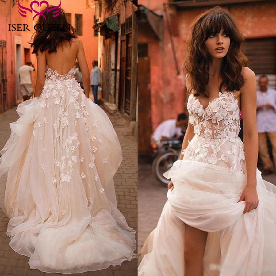 Romantic 3D Floral Appliques A Line Wedding Dress 2019 Long Train Plus Size Europe Fashion Beach Wedding Dresses W0236