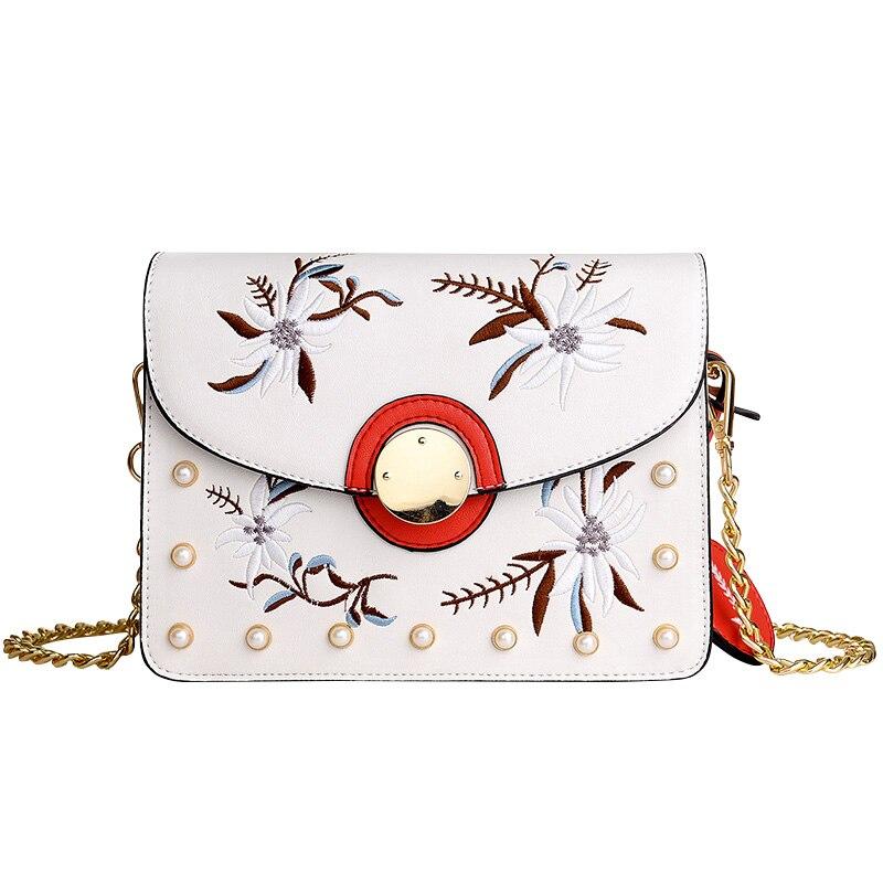 Women Messenger Bags Fashion Chains Strap Shoulder Bags Phone Purses Embroidered Flowers Elegant Crossbody Flap Female Bags Sac