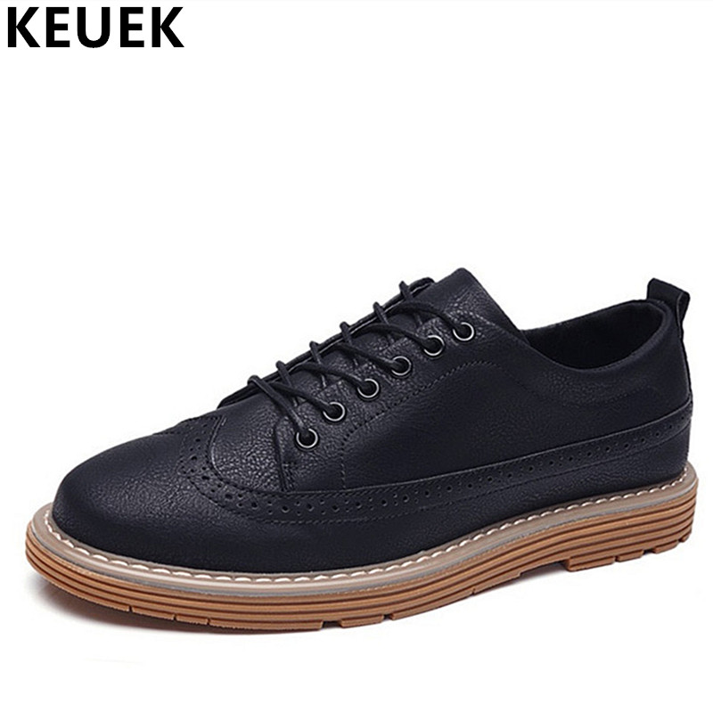 British style Fashion Men Brogue shoes Lace-Up Breathable Casual leather shoes Male Flats Youth popular Oxfords Loafers 3A the spring and summer men casual shoes men leather lace shoes soled breathable sneaker lightweight british black shoes men