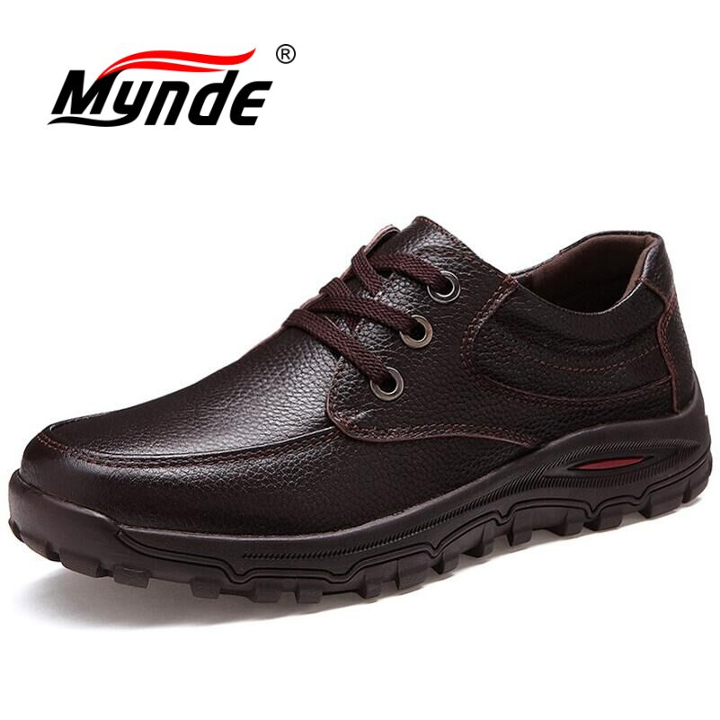1b187ac157406 Mynde 2018 marca tamaño 38 48 marca de moda hecha a mano hombres de cuero  genuino cuero suave hombres mocasines alta calidad zapatos de los hombres en  ...