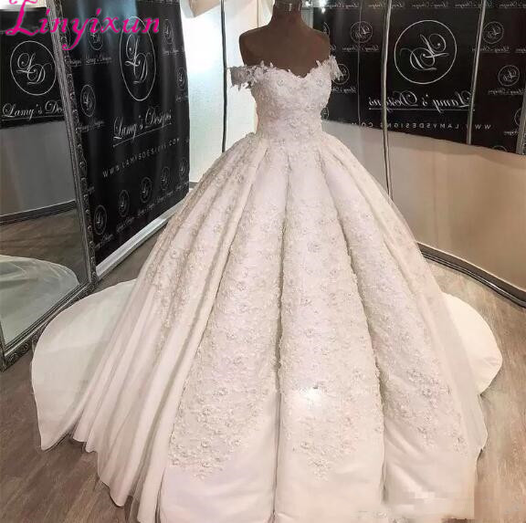 Gorgeous Ball Gown Wedding Dresses With 3D Appliques Off The Shoulder Vintage Plus Size Wedding Dress Back Lace Up Bridal Gowns