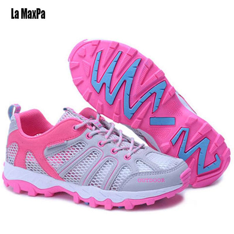 Sneakers Pour Hommes Chaussures de Course Sport Femmes Respirant Maille  Étanche Trail Running Chaussures Femme de Marche En Plein Air Couple 2018  Nouveau c090ef4d68dc