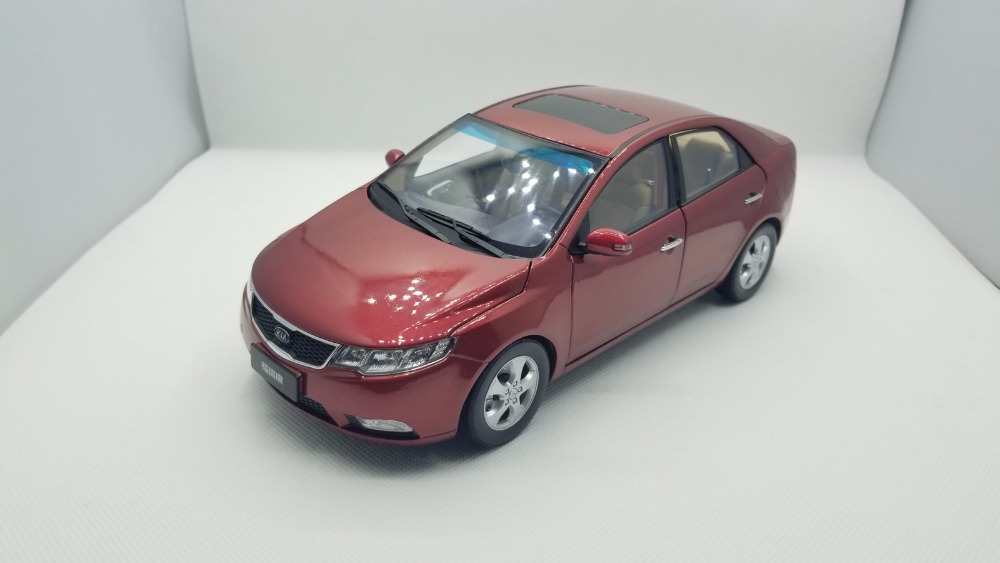 1:18 Diecast Model for Kia Forte 2008 Red Alloy Toy Car Miniature Collection Gifts Cerato K3 back to the future iii 3 delorean dmc12 car models 1 18 scale diecast movie car collections for children by sunstar 2712