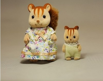 squirrel mommy and little baby mini size Sylvanian Families original Anime Cartoon mini figures Toys Child