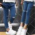 Новые дети отверстие рваные джинсы модные девушки весна осень девушка ковбой брюки узкие джинсы досуг детские брюки