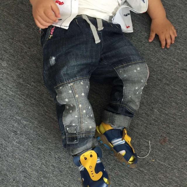 Otoño de Los Muchachos Del Bebé stars impreso costura pantalones vaqueros pantalones vaqueros de cintura Elástica de Los Niños al por mayor es de valores