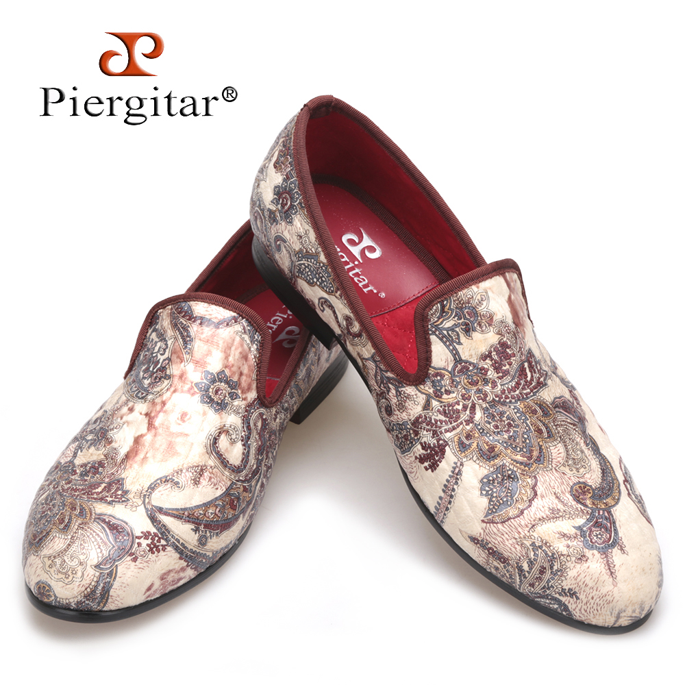 2018 new Velvet printed upper featuring hand-drawn print men loafers British style men casual shoes Fashion Slip-on men's flats new fashion men shoes british style loafers men velvet shoes pp tiger men dress shoes men s flats casual slip on zapatos hombre