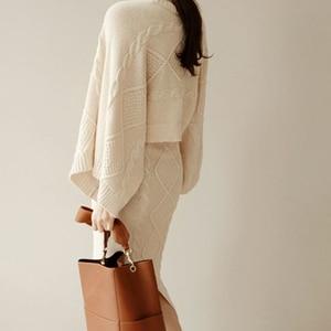 Image 3 - Conjunto de 2 piezas de punto para mujer, Tops holgados de manga de murciélago + falda ajustada, trajes de Jersey para mujer 2020