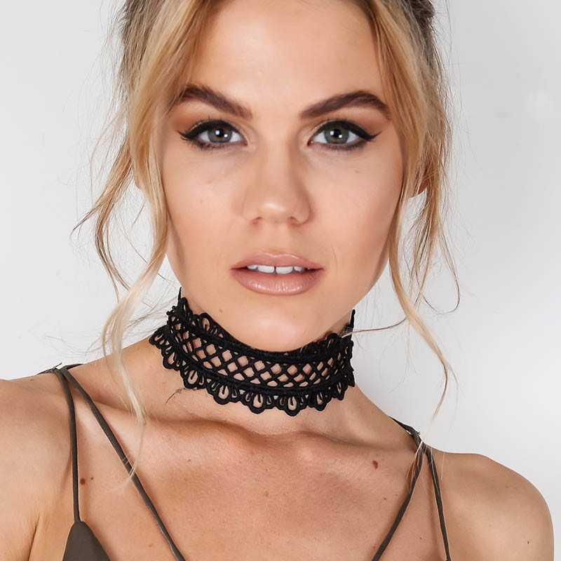 Sexy hollow out lace black choker necklace Short punk vintage necklace with chain Chic daisy flower