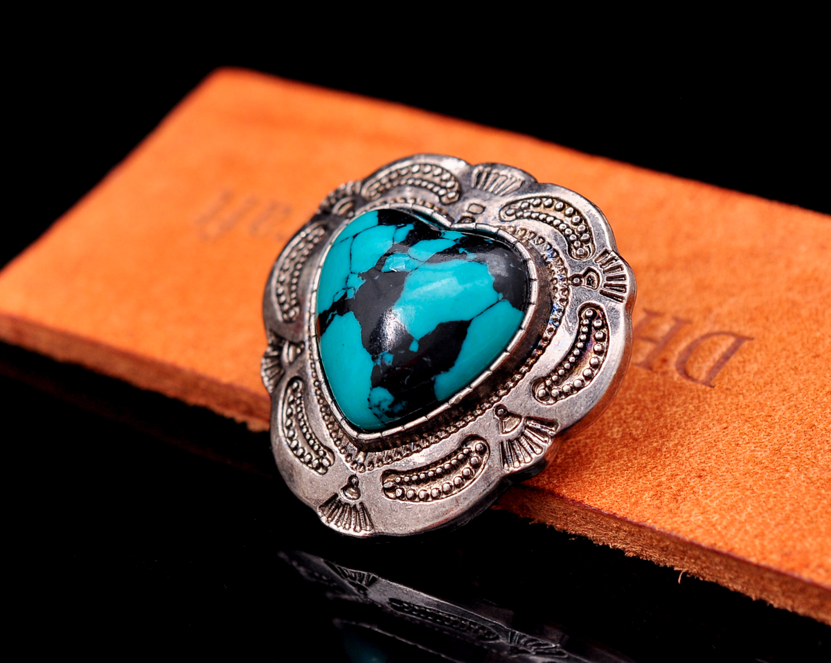 30mm Antique Silver Western Flower Engraved Heart Turquoise Leather Concho For Belt Bag Leathercraft Wallet Decor Screwback