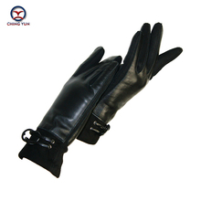 2018 New Winter warm woman gloves genuine leather solid black women's mittens fashion buckle soft sheepskin  ladies gloves yv08