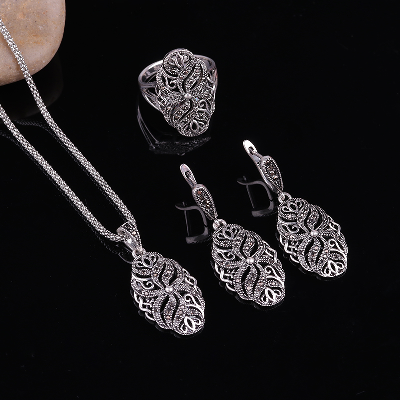 Feelgood 2017 Silver Color Antique Jewellery Hollow Out Plant Shape Vintage Black Crystal Fashion Jewelry Sets Women Party Gift