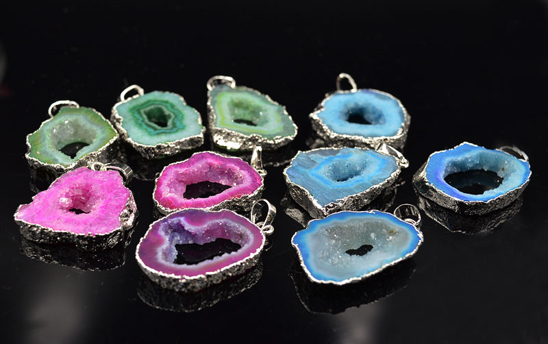YA1795 Dyed Color Geode Stone Druzy Slice Pendant Silver color 32-38mm long