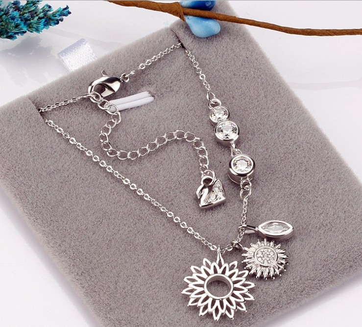 2018 New Wild necklace crystal from Austrian European fashion jewerly Sunflower pendant necklace as Women Gifts