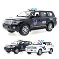 1:32 Land Cruiser Coche de Policía Modelo Diecast Metal Tire Hacia Atrás Auto de Juguete de Simulación de Aleación de Coche de Regalo de Cumpleaños de 2 Colores para niños