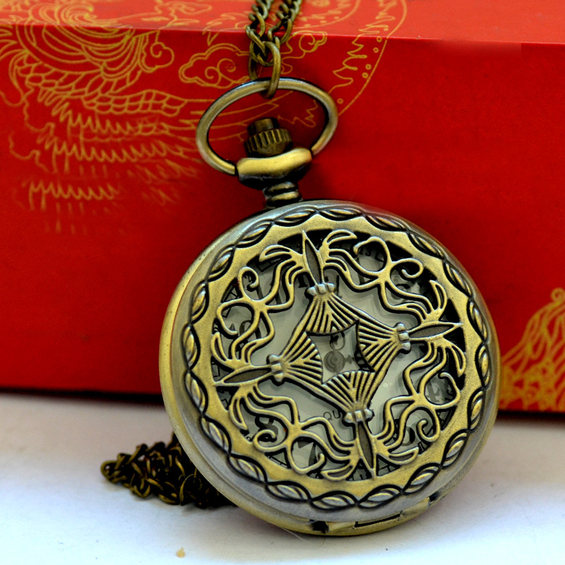 8069  Fashion New Big Hollow Big Flower Old Pocket Watch Retro Winding Chinese Knot Flower Pocket Watch With Necklace