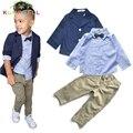 Meninos Ternos Conjuntos de roupas de bebê Menino Crianças Casuais de Estilo Europeu azul brasão + arco camisa listrada + calça 3 pcs conjuntos de algodão L231