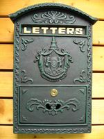 Fashion Vintage Mailbox Pillar Box Letter Holder Mailbox Wrought Iron Decoration