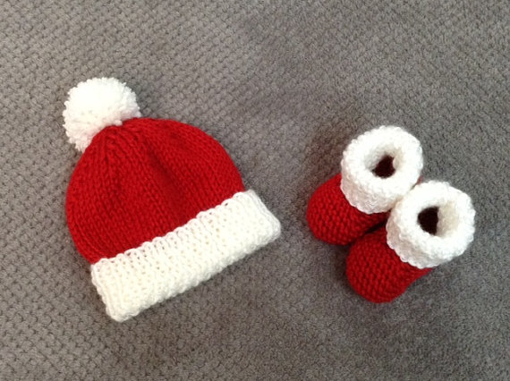 c460e5480ed Baby Newborn Santa Hat and Booties Set - Baby s 1st Christmas - Baby Santa  Outfit - Newborn Santa Photo Prop