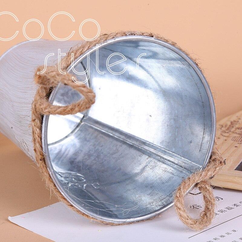 Cocostyles personnalisé blanc vintage blanc laque ronde seau de fer avec poignée de corde de chanvre pour mariage merci emballage de boîte-cadeau