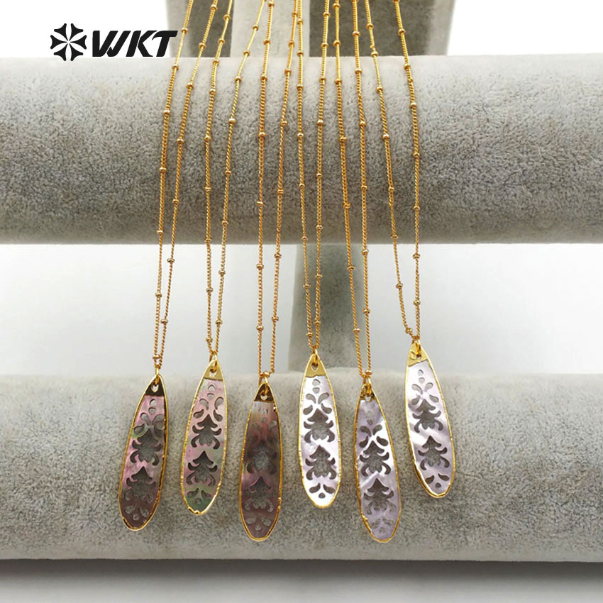 WT JN031 WKT الجملة 10 قطعة/الوحدة الطبيعي قذيفة القلائد مع الذهب معدن مطلي الجوف منحوتة تصميم للنساء صنع المجوهرات-في قلادات معلقة من الإكسسوارات والجواهر على  مجموعة 1