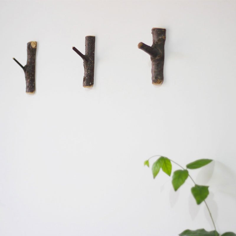 natural wood wall robe hooks home decoration wall hanger. Black Bedroom Furniture Sets. Home Design Ideas