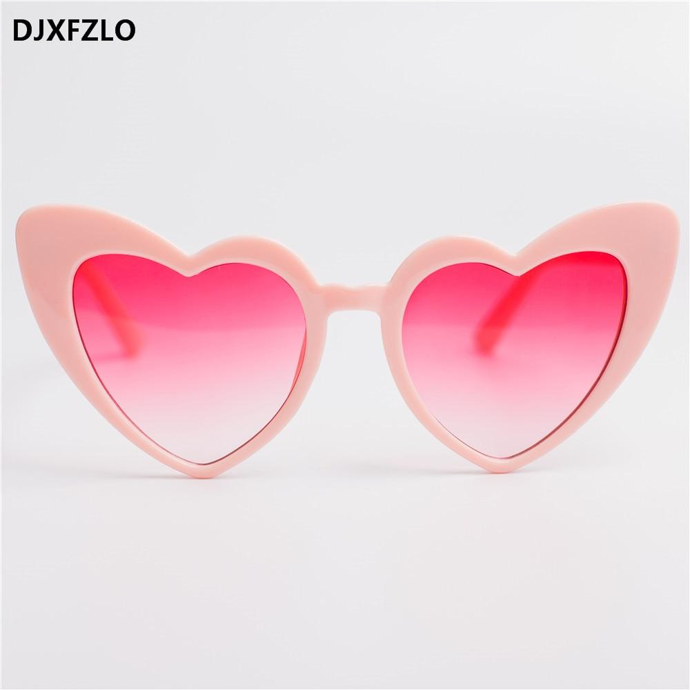 DJXFZLO 2018 New Love Coeur Cat Eye lunettes de Soleil Femmes Marque  Designer De Mode Gradient Rouge Lunettes de Soleil Nuances Oculos De Sol ef5be594c478