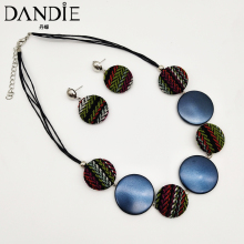 Dandie Fashionable knit disc, acrylic necklace with a pair of earrings, popular, personalized female accessories цена 2017