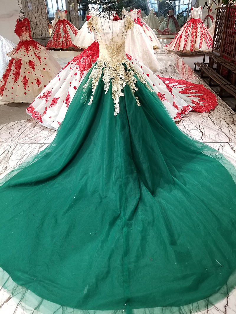 9850dc8ccce Gorgeous A Line Wedding Dresses Green with Gold Appliques See Though Elegant  African Bridal Gowns 2018 Real Custom ZW044-in Wedding Dresses from Weddings  ...