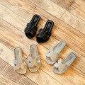 Детские шлепанцы со стразами; Летняя обувь с блестками; Новинка; шлепанцы для девочек в Корейском стиле; сандалии для студенток