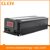 Digital 12V/24V 30A Voltage switchable battery charger has current and temperature display
