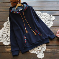 Hooded Sweatshirt Women Long Sleeve Autumn Winter Fleece Outerwear 2017 Female Casual Front Pocket Vintage Embroidery