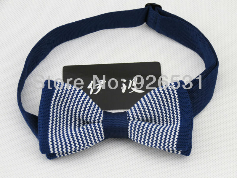 Childrens bow tie/navy and white pinstripe knit bowtie/Deserve to act the role of children neck ties