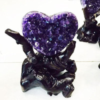 Uruguay heart shaped amethyst cluster. Spirit amethyst heart shaped accessories and Christmas gifts. Wedding decoration