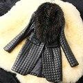 Invierno Mujer Caliente Temperamento de Las Mujeres Abrigo de Piel Falsa Imitación de Piel de Zorro de La Pu Cazadora costura de cuero de Piel de Cuero de Piel de Capa de la Rebeca