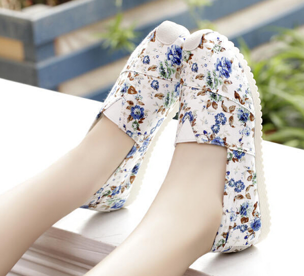Nice Spring Summer Women Shoes Flower Print Female Loafers Woman Flats Shoes Sweet Canvas Shoes WSH651